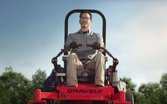 """Gravely """"Built to Mow the Distance"""""""