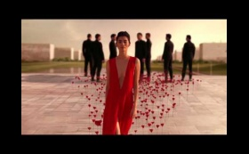 FLOWER BY KENZO  L'ELIXIR - The power of a flower – The new film